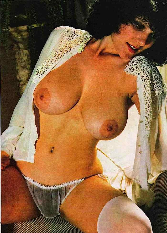 Фото больших голых сисек ретро