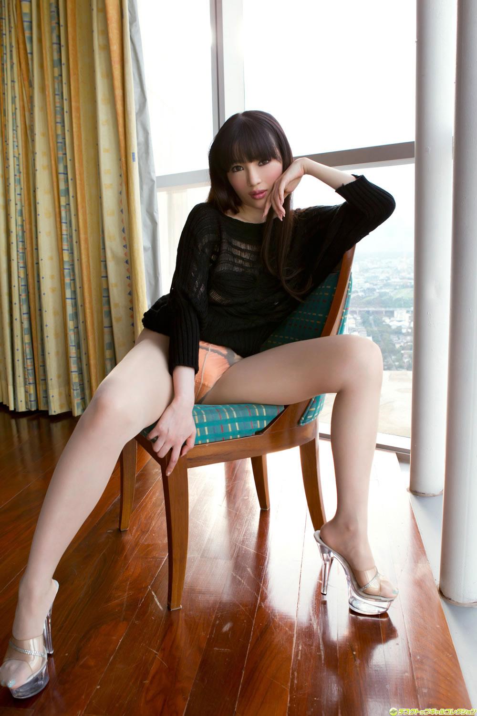 性感迷人的美女 - 貼圖 - 絲襪美腿 -