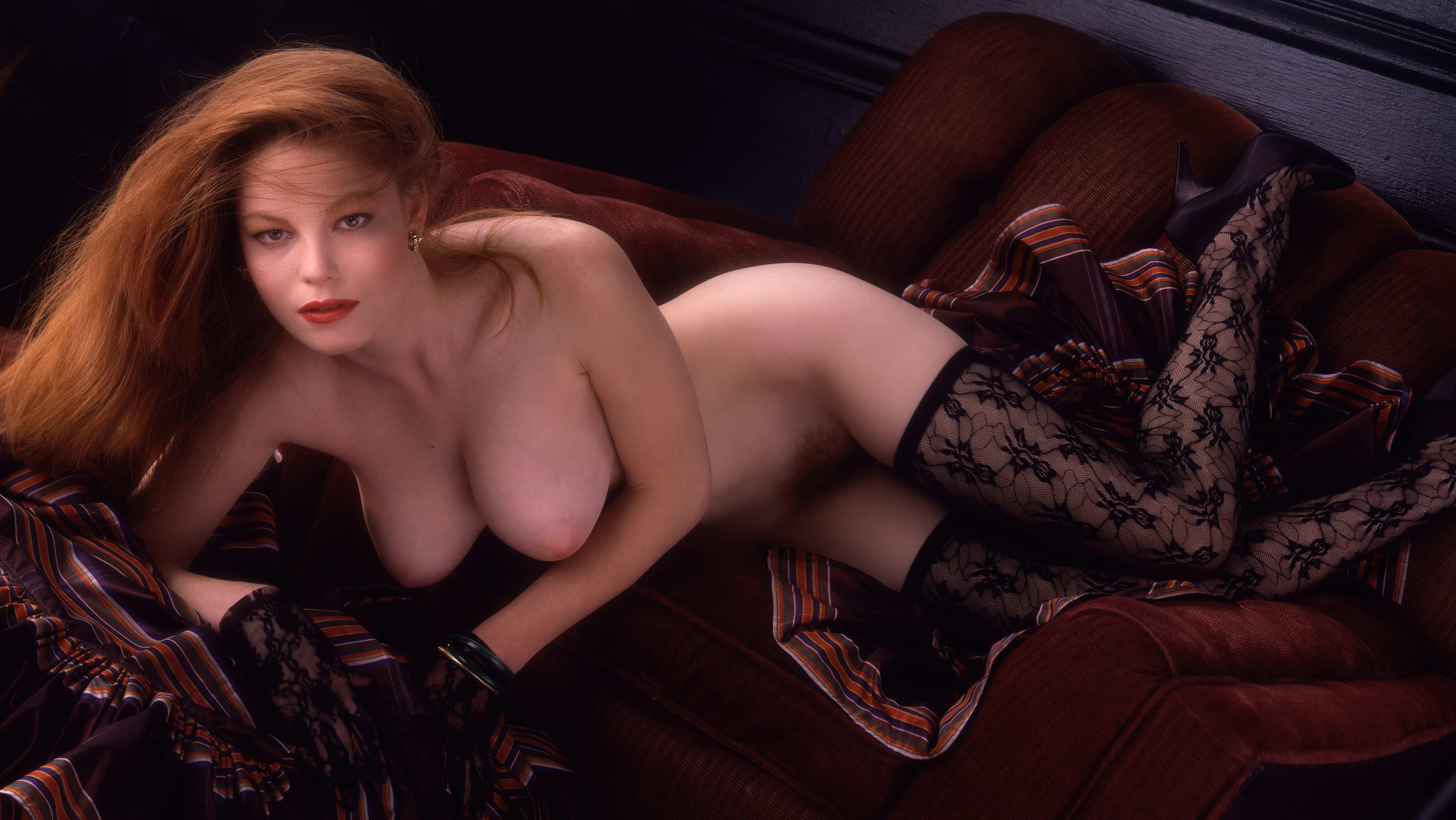 Смотреть эротические фото девушка месяца 17 фотография