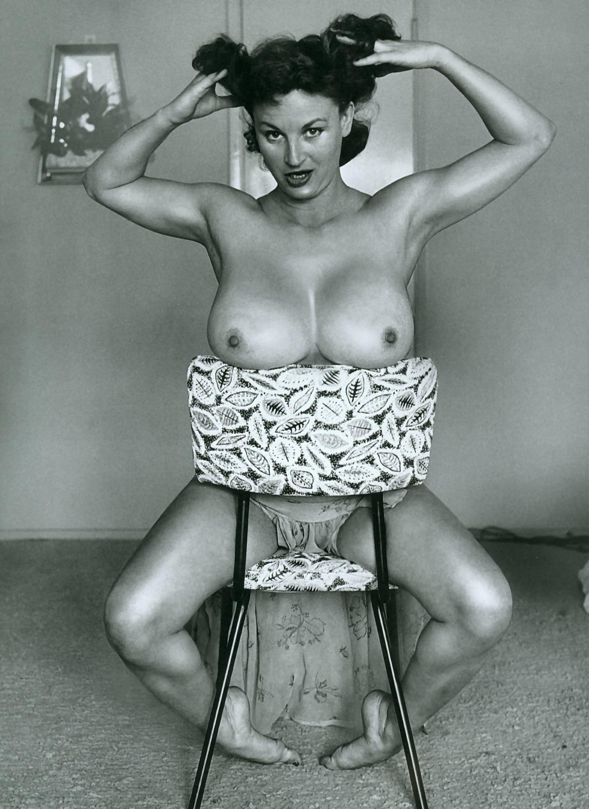 Ретро голые девушки картинки 29 фотография