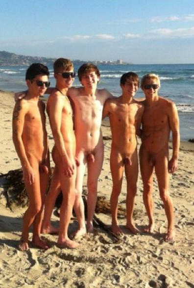 Discuz Boy Nude.