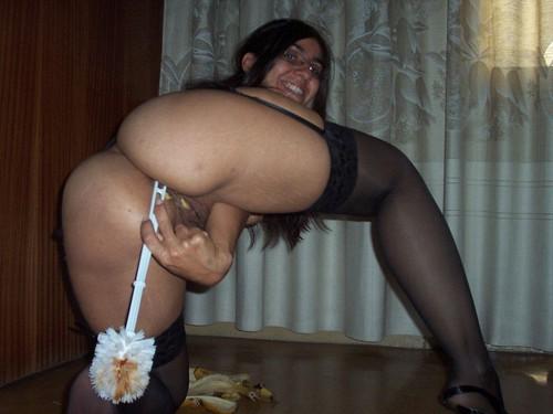 Bonita colombiana timida se mete en el conjo su mejor dildo - 3 part 6