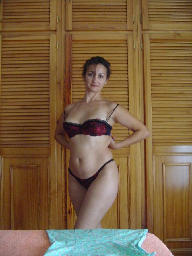 Esposa latina en lenceria 6
