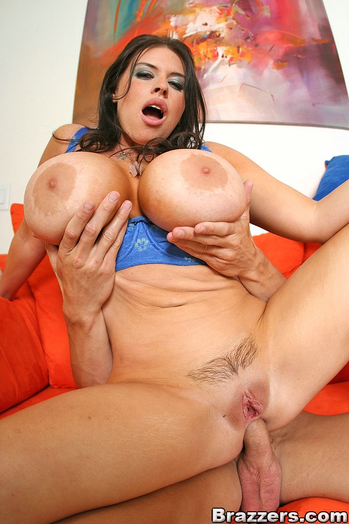 Naked Vagina/nude Of Liliana