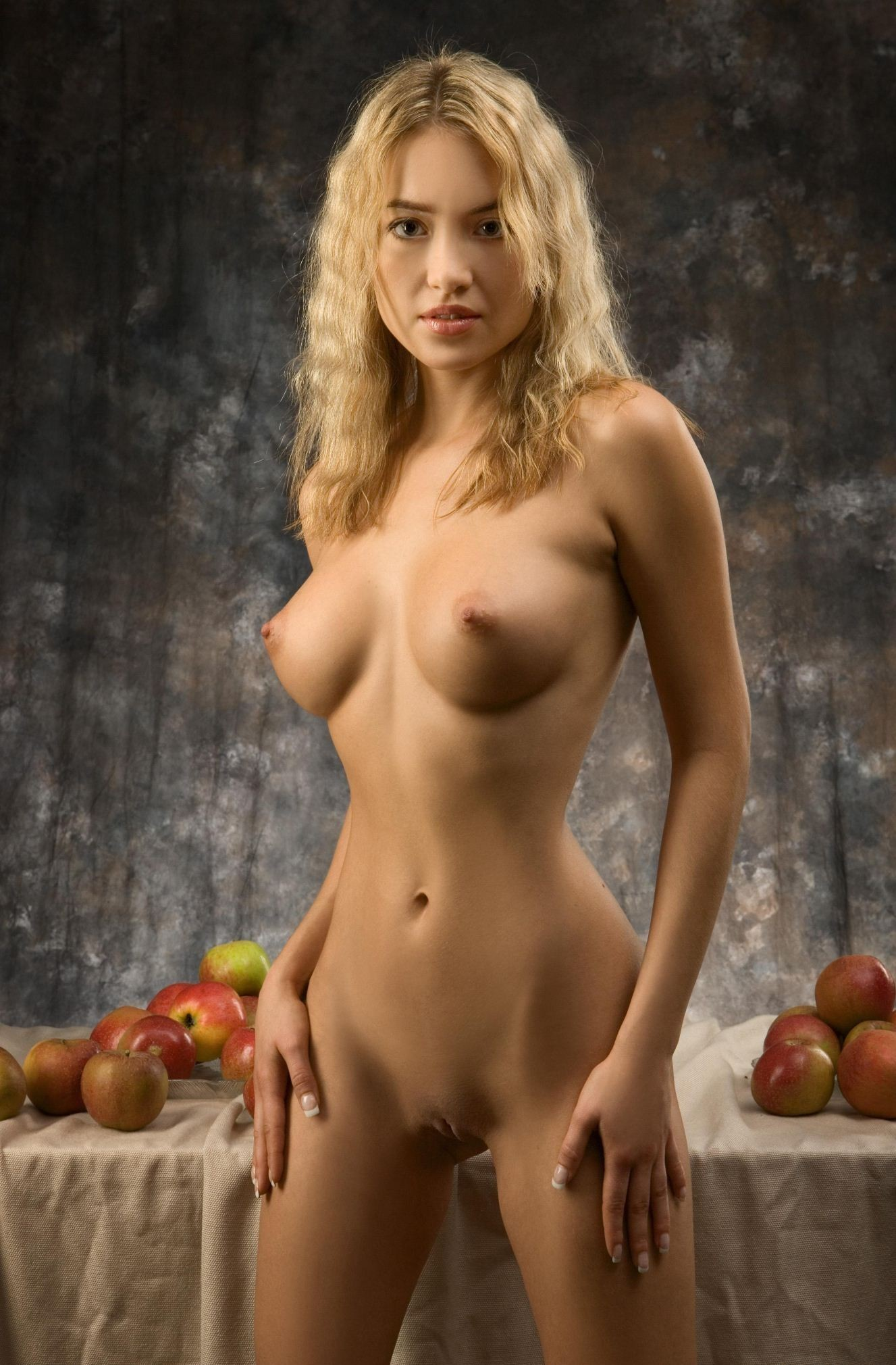 голые молодые модели эротики