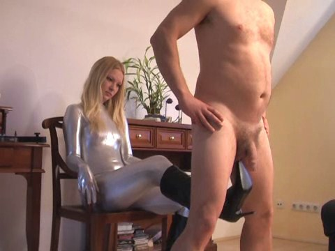 Elastrator Ballbusting Female Domination