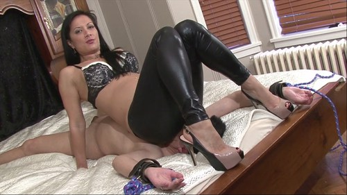Spandex Facesitting Heaven Female Domination