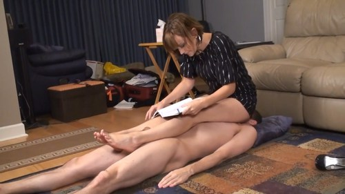 Footworship While Studying Female Domination