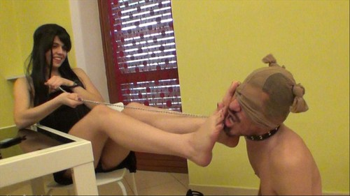 Claires Footslave Female Domination