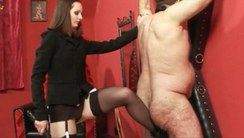 Mistress Arella Female Domination