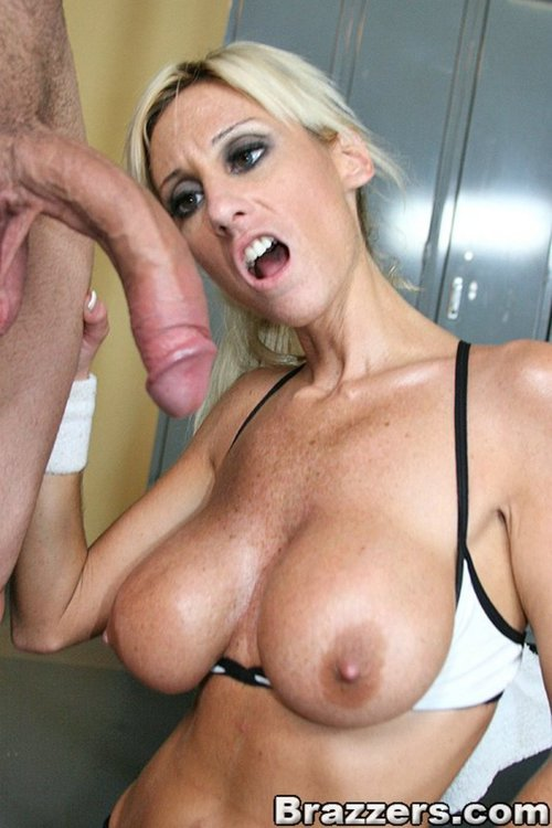 Hot young havana riding sybian for the first time 2