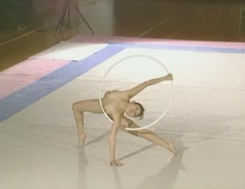 [Image: JapanNuGymnast1kc.jpg]