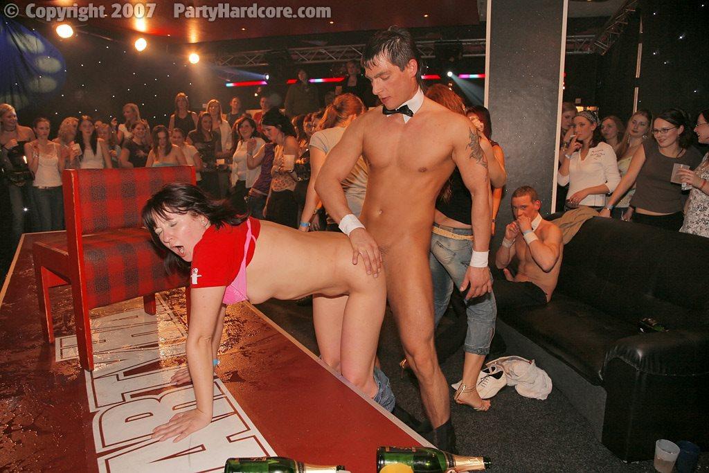 Порно в ночных российских клубах