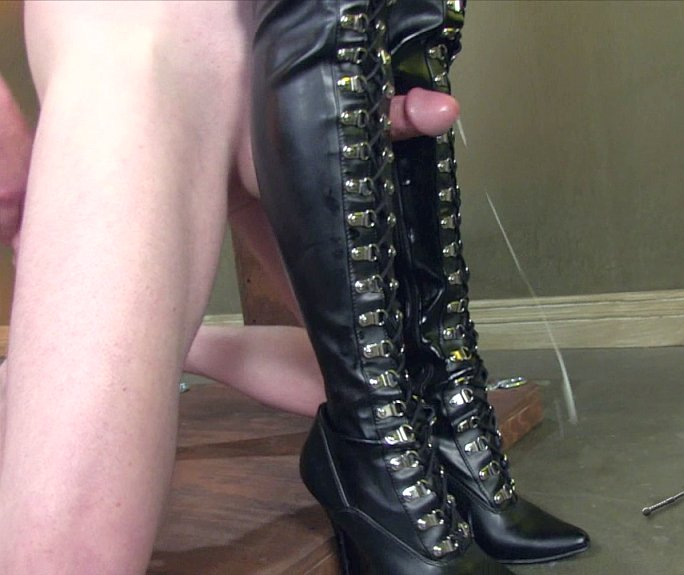 Shemale Leather Thigh Boot 5