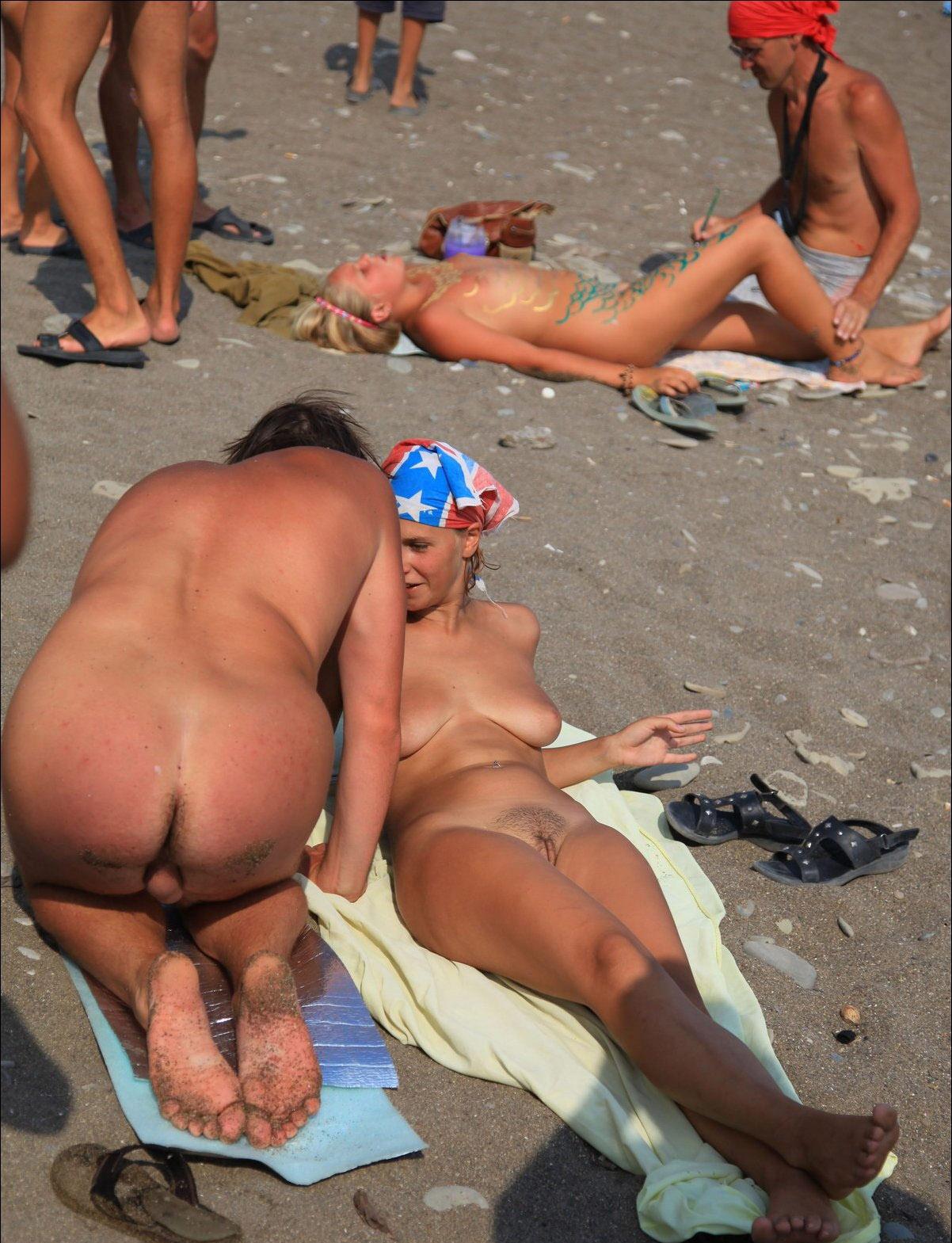 Скрытая сьемка нудийского пляжа 2 фотография