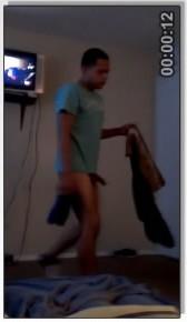 Rico hetero se hace una paja en la webcam - 2 part 2