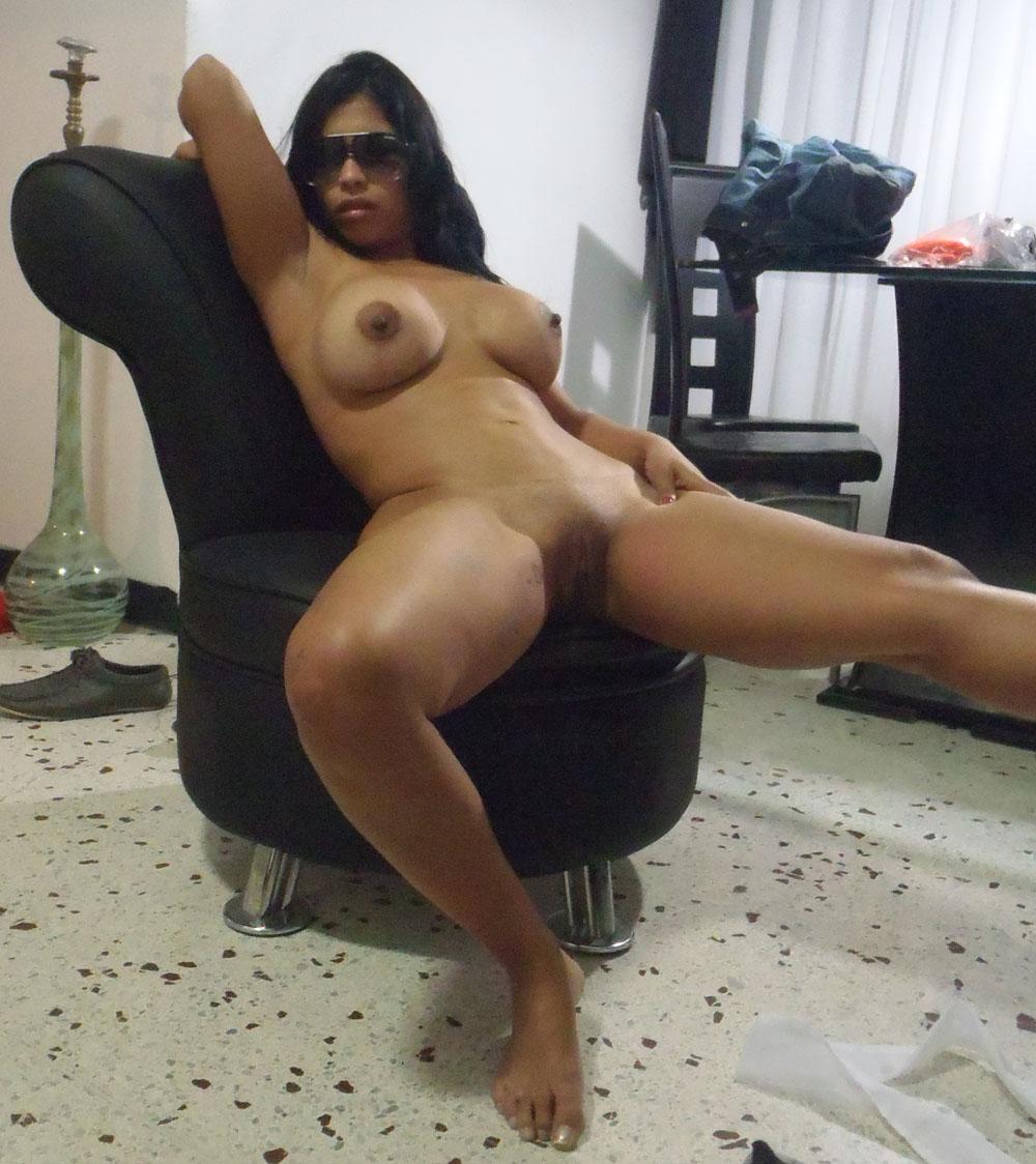 Chica con culo de 50 pulgadas