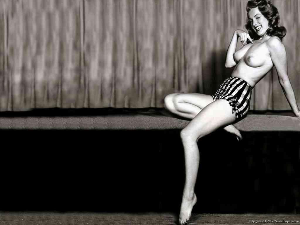 Marilyn monroe nude upskirt