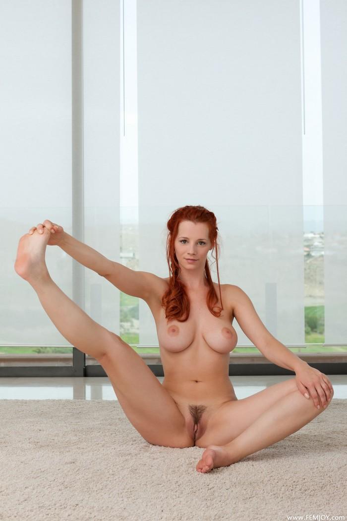"elwebbs.biz art-forum imagesize:700x1050 $)"""