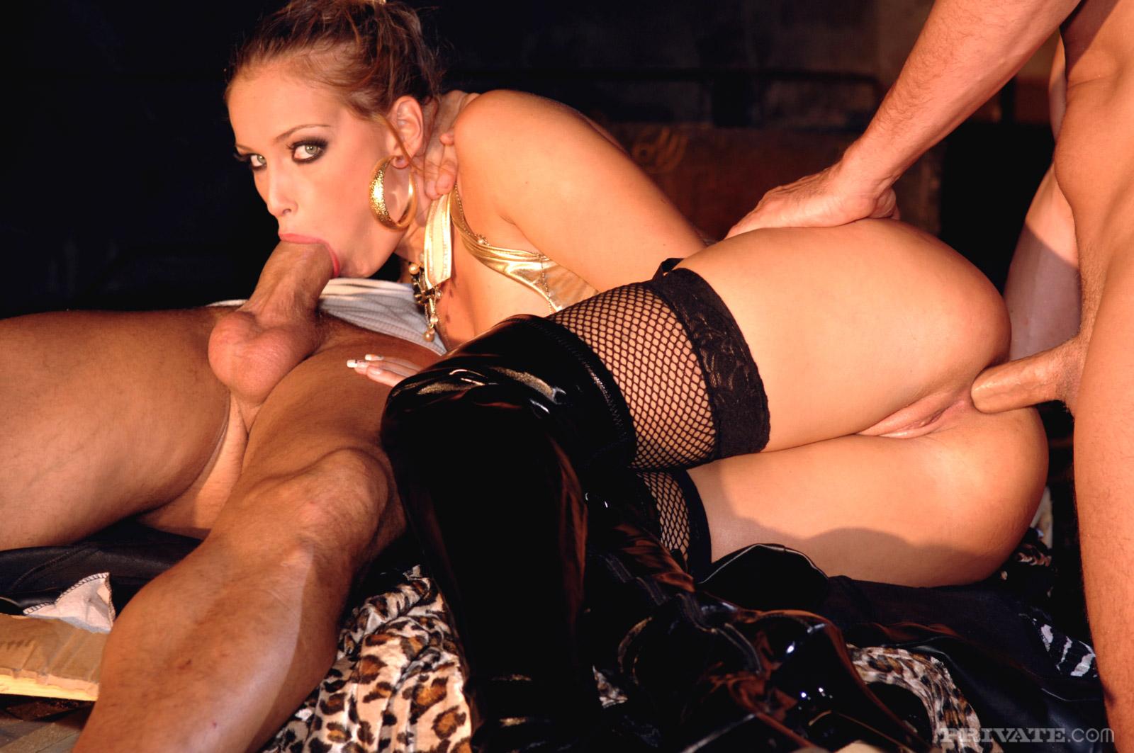 Гламурная красивая модель порно руководствуюсь