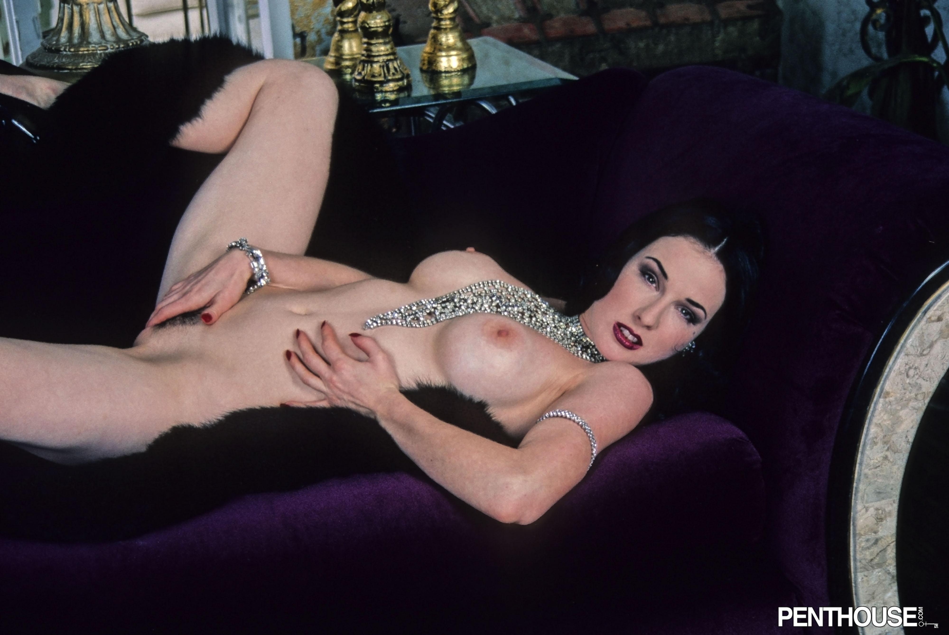 Nude Photos Dita Von Teese