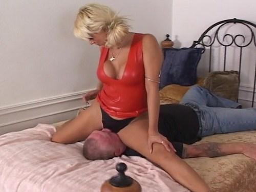 Ass Slave Femdom