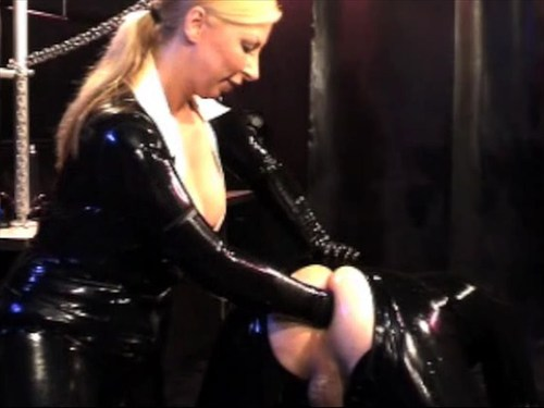 Heavy Rubber Fisting Femdom