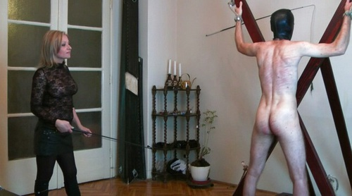 Some Cruel Whipping Femdom
